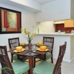 Horizons at Sunridge Apartment Dining Area