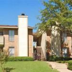 Hulen Oaks Apartment Building