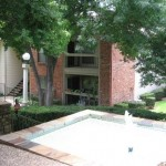 Hunter's Green Apartment Fountain Area