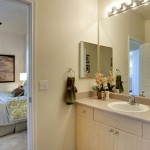 Lakes of Stone Glen Apartment Bathroom