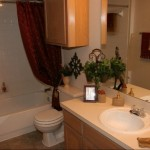 Park Creek Apartment Bathroom