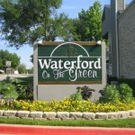 Waterford on the Green Sign