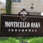 Monticello Oaks Townhomes Sign