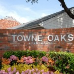 Towne Oaks Sign
